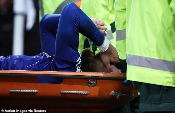 Andre Gomes sẽ phẫu thuật cổ chân bị gãy ảnh 9