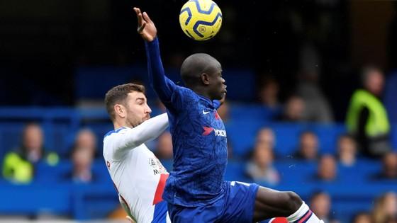 Thắng dễ Crystal Palace 2-0, Chelsea vươn lên nhì bảng ảnh 3