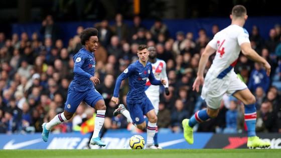 Thắng dễ Crystal Palace 2-0, Chelsea vươn lên nhì bảng ảnh 4