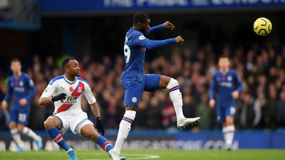 Thắng dễ Crystal Palace 2-0, Chelsea vươn lên nhì bảng ảnh 6