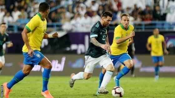 Messi nói HLV tuyển Brazil câm miệng ảnh 1