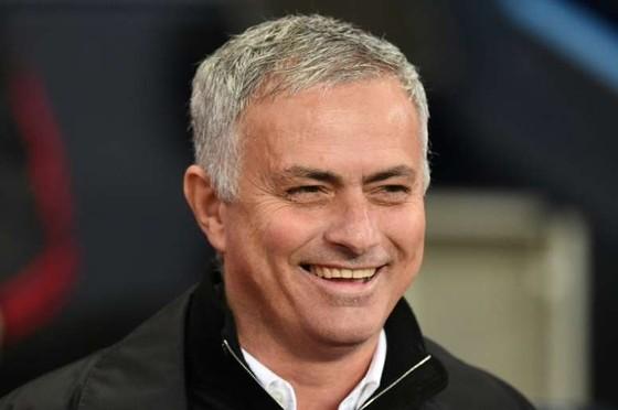 """Khi Mourinho bắt đầu """"trả treo"""": """"Mr Chelsea ư? Tôi cũng là Mr Porto và Mr Real Madrid"""" ảnh 1"""
