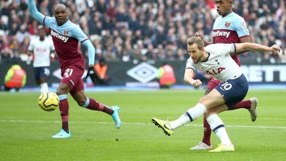 West Ham - Tottenham 2-3: Gà trống lột xác dưới tay Mourinho ảnh 3