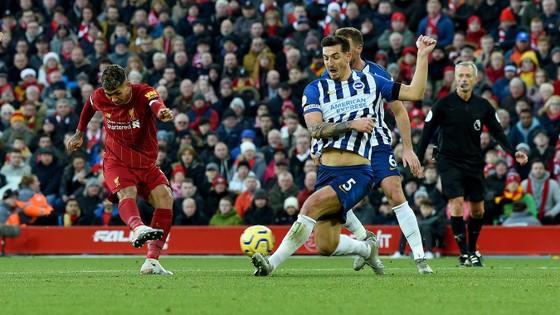 Liverpool - Brighton 2-0: Sát thủ Van Dijk giúp Liverpool bứt xa Man City 11 điểm ảnh 8