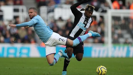 Newcastle - Man City 2-2: Choáng khi Chích chòe cầm chân Man City ảnh 6