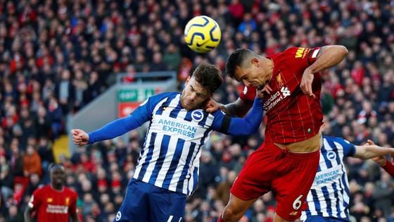Liverpool - Brighton 2-0: Sát thủ Van Dijk giúp Liverpool bứt xa Man City 11 điểm ảnh 7