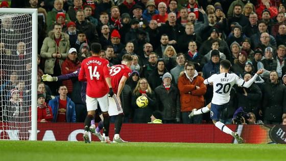 Dele Alli: Tottenham trả giá cho 'sự kiêu ngạo' trong thất bại trước Man Utd ảnh 1
