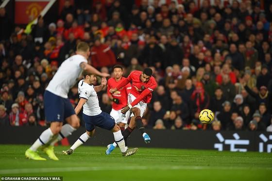 Dele Alli: Tottenham trả giá cho 'sự kiêu ngạo' trong thất bại trước Man Utd ảnh 2