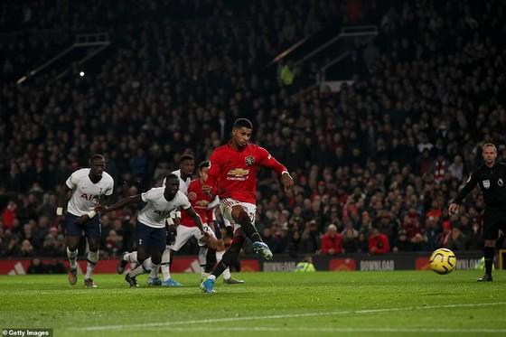 Dele Alli: Tottenham trả giá cho 'sự kiêu ngạo' trong thất bại trước Man Utd ảnh 3