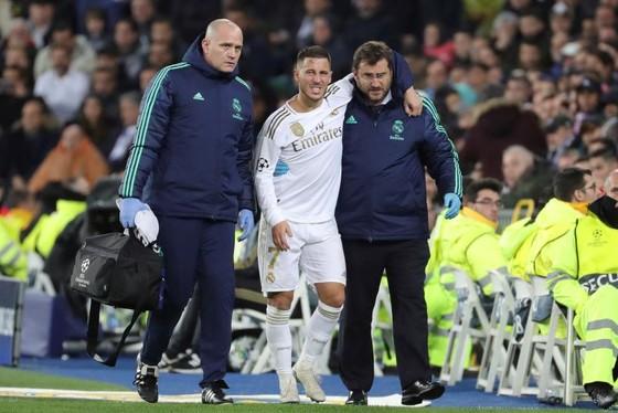 Chân thương của Eden Hazard không nhẹ như chuẩn đoán ban đầu.