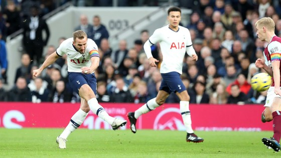 Tottenham - Burnley 5-0: Harry Kane ghi cú đúp, Son lập siêu phẩm ảnh 3