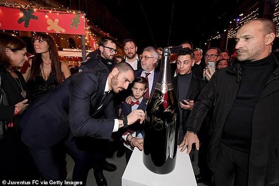 """Vì sao Juventus """"quên"""" mời Mandzukic dự tiệc Giáng sinh ảnh 4"""