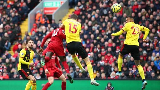 Liverpool - Watford 2-0: Mo Salah tỏa sáng với cú đúp ảnh 8