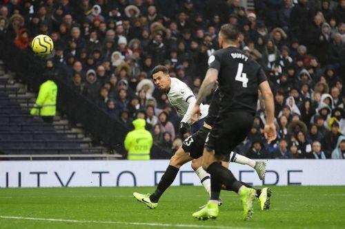 Tottenham - Brighton 2-1: Harry Kane và Dele Alli giúp Gà trống thắng ngược  ảnh 11