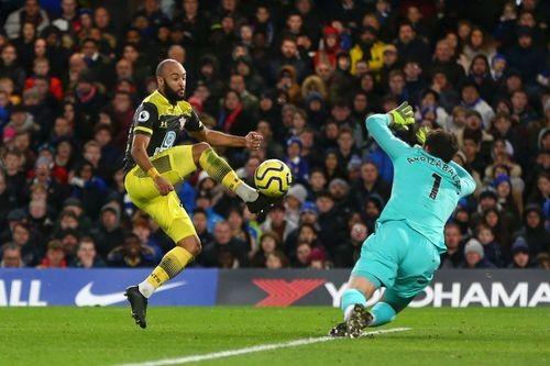 Chelsea thảm bại 0-2 trước Southampton