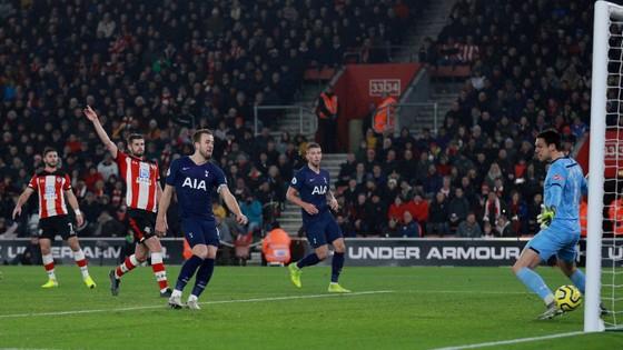 Southampton - Tottenham 1-0: Danny Ings nhấn chìm đội bóng của Mourinho ảnh 7