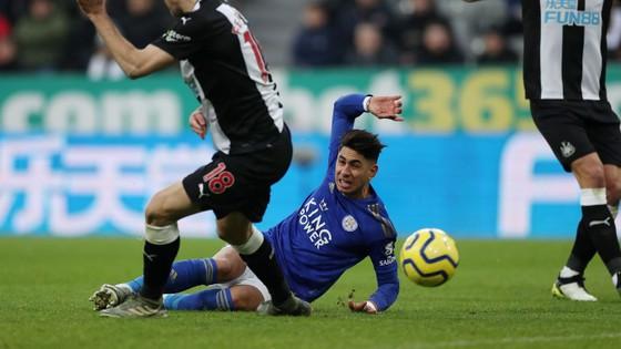 Đè bẹp Newcastle, Leicester vững ngôi nhì bảng ảnh 1