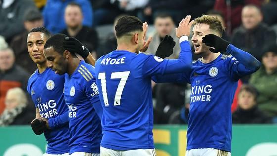 Đè bẹp Newcastle, Leicester vững ngôi nhì bảng ảnh 3