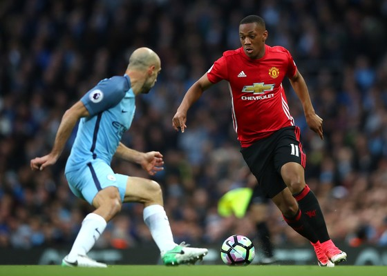 Man United vã mồ hôi khi Harry Maguire vắng mặt trận derby Manchester