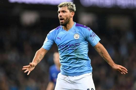 Sốc: Sao Man City mở tiệc đêm mừng chiến thắng Aston Villa 6-1 với 22 người mẫu đến từ Italia ảnh 2