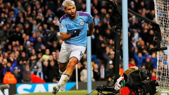 Man City - Crystal Palace 2-2: Aguero ghi cú đúp, Fernandinho đốt lưới nhà ảnh 11
