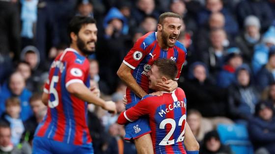 Man City - Crystal Palace 2-2: Aguero ghi cú đúp, Fernandinho đốt lưới nhà ảnh 6