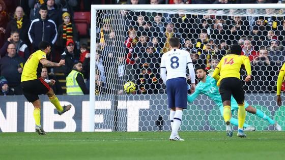 Watford - Tottenham 0-0: Gà trống suýt thua trên chấm 11m ảnh 8