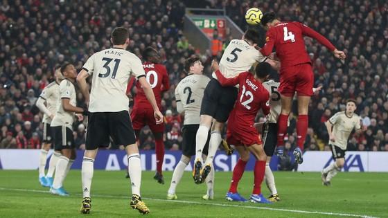 Liverpool - Man United 2-0: Van Dijk, Salah nhấn chìm Quỷ đỏ ảnh 3