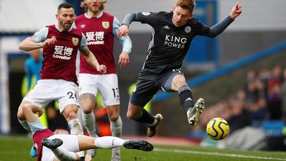 Burnley - Leicester City 2-1: Jamie Vardy sút hỏng phạt đền, Bầy cáo thua ngược ảnh 3