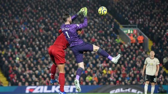 Liverpool - Man United 2-0: Van Dijk, Salah nhấn chìm Quỷ đỏ ảnh 4