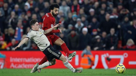 Liverpool - Man United 2-0: Van Dijk, Salah nhấn chìm Quỷ đỏ ảnh 7