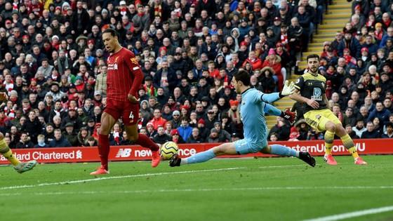 Liverpool - Southampton 4-0: Chamberlain mở điểm, Salah ghi cú đúp ảnh 4
