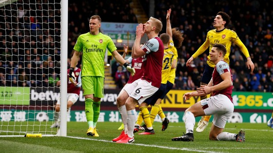 Burnley - Arsenal 0-0: Aubameyang bất lực nhưng Pháo thủ hòa trong may mắn ảnh 6