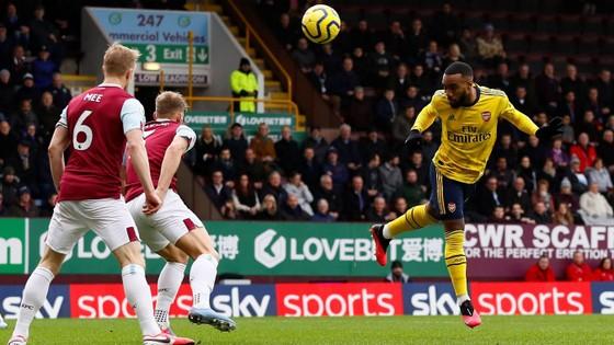 Burnley - Arsenal 0-0: Aubameyang bất lực nhưng Pháo thủ hòa trong may mắn ảnh 3