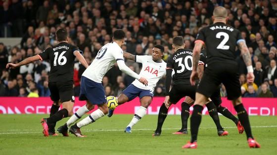 Tottenham - Man City 2-0: Jose Mourinho thắng Guardiola khi Bergwijn tỏa sáng ảnh 10