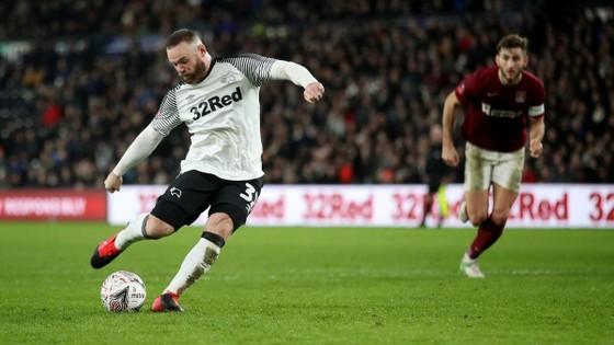HLV Derby: Rooney sẵn sàng đối mặt Man United ảnh 1