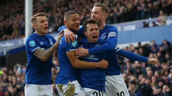 Richarlison tỏa sáng giúp Everton thắng Crystal Palace 3-1, bấm còi qua mặt Man United ảnh 4
