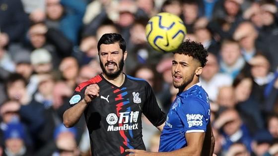 Richarlison tỏa sáng giúp Everton thắng Crystal Palace 3-1, bấm còi qua mặt Man United
