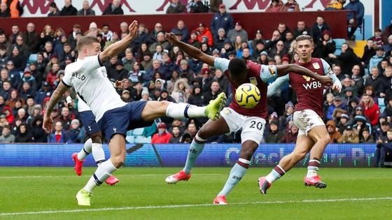 Aston Villa - Tottenham 2-3: Son Heung-min ghi cú đúp mang về 3 điểm cho Mourinho ảnh 3