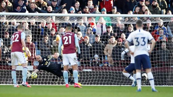 Aston Villa - Tottenham 2-3: Son Heung-min ghi cú đúp mang về 3 điểm cho Mourinho ảnh 7