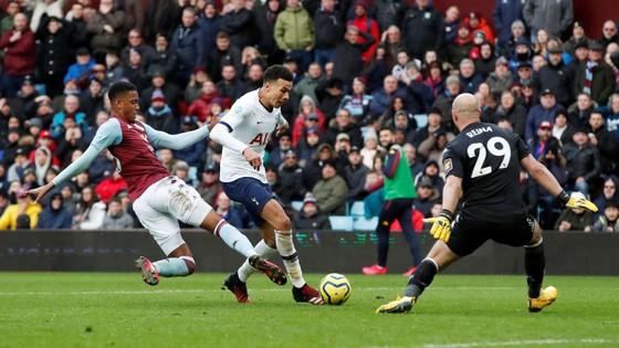 Aston Villa - Tottenham 2-3: Son Heung-min ghi cú đúp mang về 3 điểm cho Mourinho ảnh 9