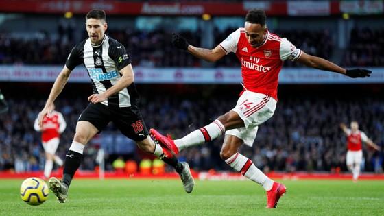 Arsenal - Newcastle 4-0: Aubameyang, Pepe, Oezil và Lacazette nhấn chìm Chích chòe
