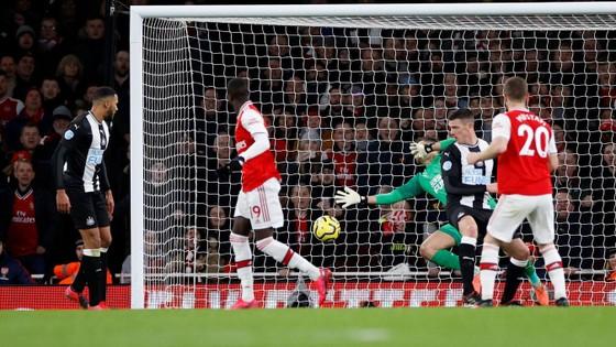 TRỰC TIẾP Arsenal - Newcastle: Aubameyang săn tìm bàn thắng ảnh 6