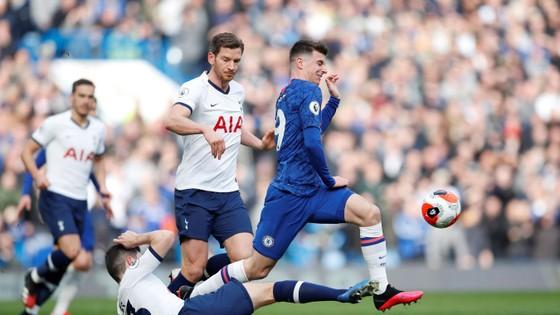 Chelsea - Tottenham 2-1: Giroud và Marcos Alonso lập siêu phẩm, Lampard hạ gục Mourinho ảnh 4