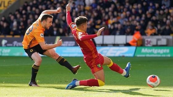 Wolves - Norwich 3-0: Jota, Raul Jimenez giúp Bầy sói thăng hoa ảnh 3