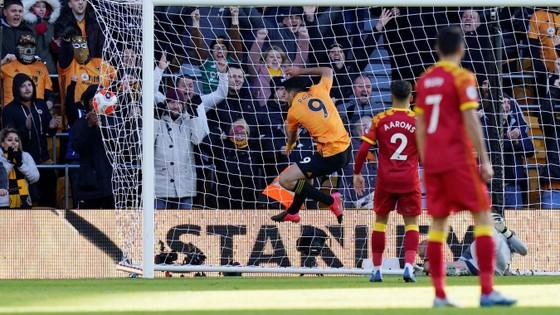 Wolves - Norwich 3-0: Jota, Raul Jimenez giúp Bầy sói thăng hoa ảnh 5