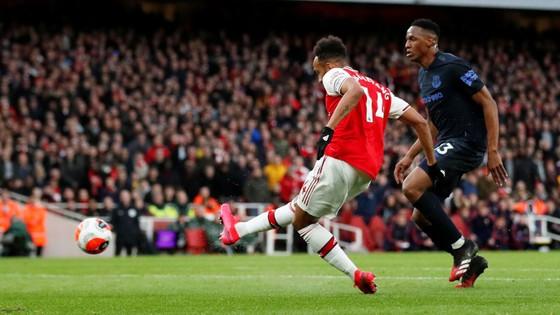 Arsenal - Everton 3-2: Aubameyang ghi cú đúp giúp Pháo thủ ngược dòng ảnh 6