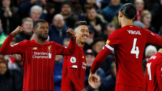 Xếp hạng vòng 27 Ngoại hạng Anh: Hơn Man City 22 điểm, Liverpool cách vinh quang 4 trận thắng