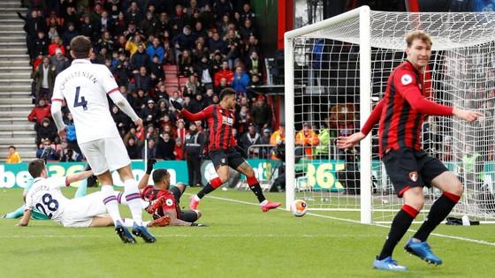 Bournemouth - Chelsea 2-2: Marcos Alonso ghi cú đúp giúp The Blues gỡ hòa ảnh 7