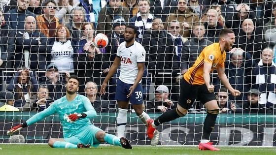 Tottenham - Wolves 2-3: Bầy sói thắng ngược Gà trống ảnh 4